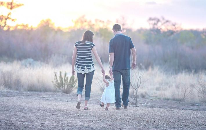 Hacienda devolverá IRPF de la prestación por maternidad y paternidad
